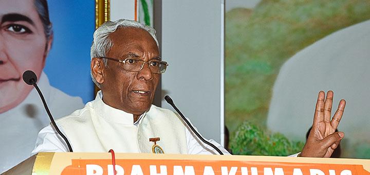 Dr. Banarsilal Sah welcoming the delegates